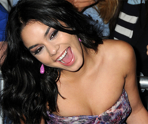 earring, vanessa hudgens, and pink image