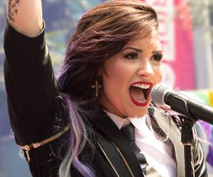 demi lovato, red lips, and really don't care image
