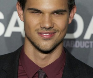 abduction, smile, and Taylor Lautner image