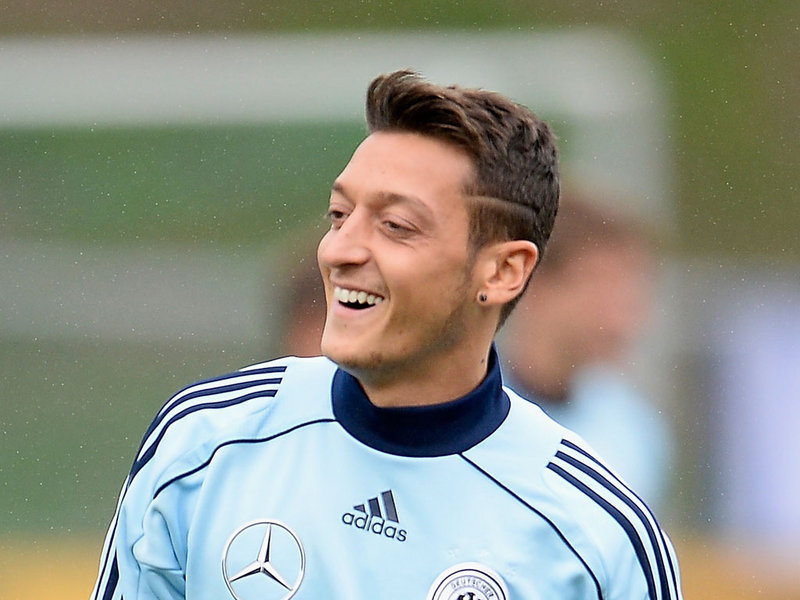 50 Images About Zil On We Heart It See More About Mesut Zil