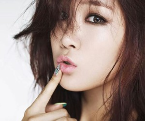 sistar, soyou, and kpop image