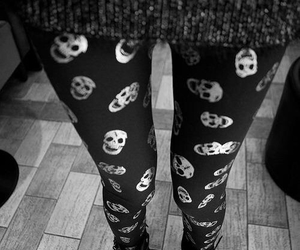 fashion, black and white, and skull image