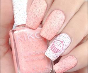cupcake and nails image