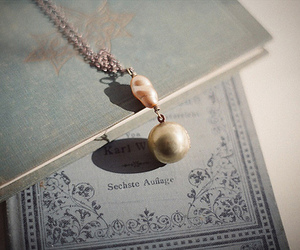 pearls and book image