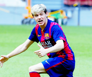 niall horan, one direction, and Barcelona image