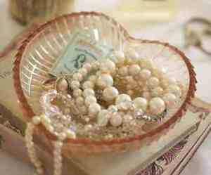 pearls and heart image