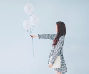 girl, kfashion, and balloons image