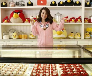 bakery, cupcakes, and angry birds image