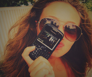 blackberry and girl image
