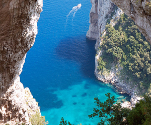 italy and capri image
