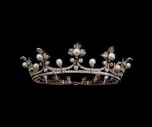 crown, black, and dark image