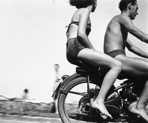 black and white, couple, and vintage image