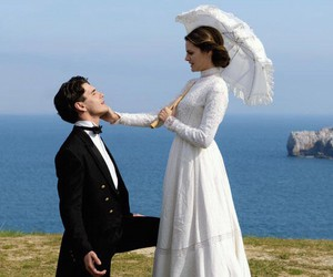love and gran hotel image