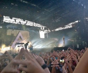 30 seconds to mars, tomo milicevic, and 17 07 14 image