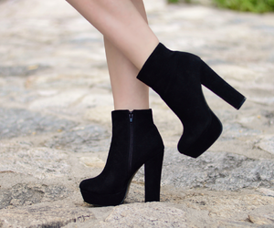 fashion, platform boots, and saltos image