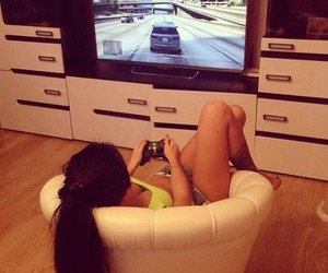 girl and game image