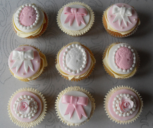cupcakes, decorated, and floral image