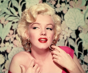 celebrity, marilyn, and Queen image