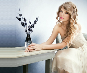 Taylor Swift and flowers image