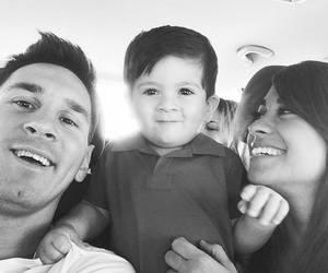 messi, family, and Thiago image