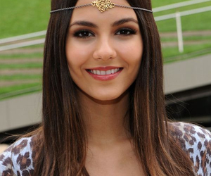 victoria justice and girl image