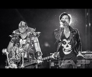 misfits, music, and stage image