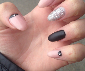beautiful, silver, and gelnails image
