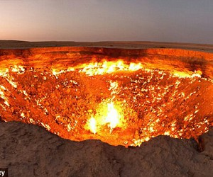 glow, door to hell, and natural gas image