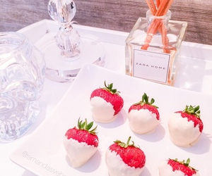 strawberry, food, and Zara image