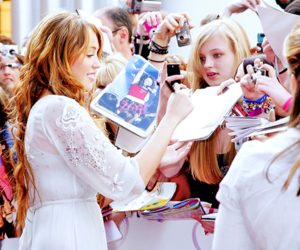 fans and miley cyrus image