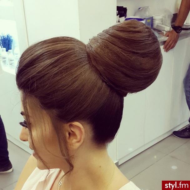 Fryzury Wieczorowe Włosy Fryzury średnie Wieczorowe Kręcone