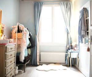 room and making magique image