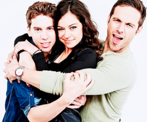 orphan black, tatiana maslany, and jordan gavaris image