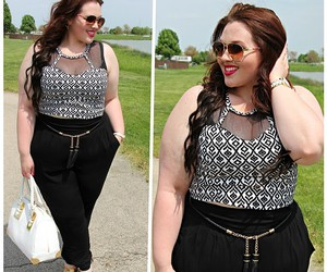 curves, curvy, and outfits image