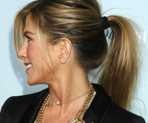 blond and Jennifer Aniston image