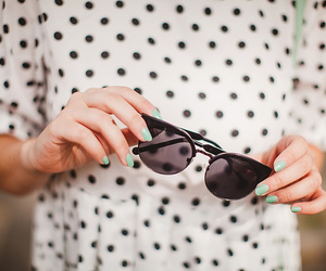 fashion, vintage, and sunglasses image