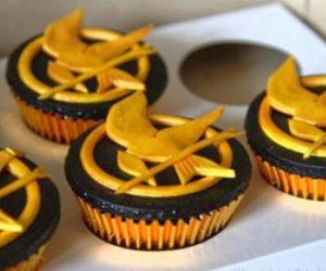 cupcake, the hunger games, and food image