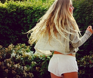 hair, girl, and clothes image