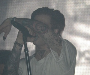 jesse rutherford and the neighbourhood image