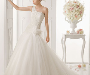 oasis, wedding dresses 2014, and aire barcelona oasis image