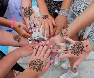 henna, hands, and friends image