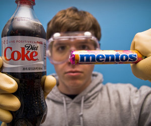 coke and mentos image