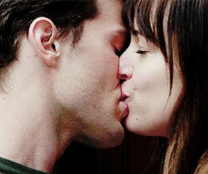 christian grey, beso, and 50 sombras de grey image