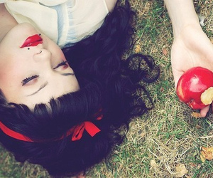 apple, snow white, and red image
