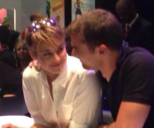 comic con and sheo image