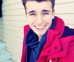 Hot, weeklychris, and chris collins image
