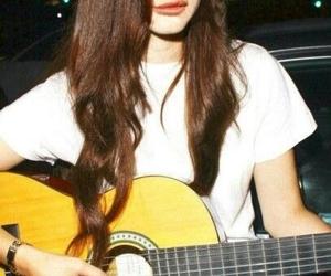 lana del rey and guitar image