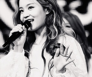 lee hi and kpop image