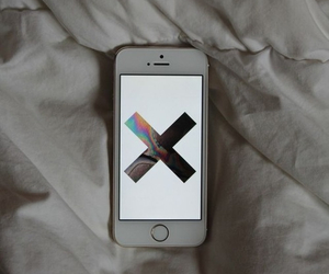 iphone, the xx, and 5s image