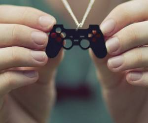 necklace, game, and girl image